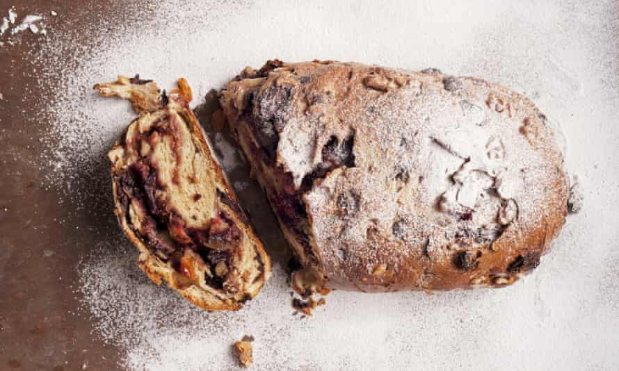 Sweet fig and dark chocolate loaf