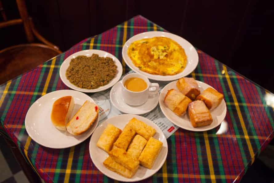 Hot sweet tea with bun-maska, khari, omelette and more