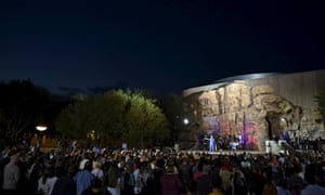 Clinton in front of the crowd at the Springs Preserve in Las Vegas.
