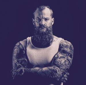 Justin (@the_bearded_shiznit)