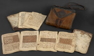 A saddlebag Qur'an in West Africa: Word, Symbol, Song.