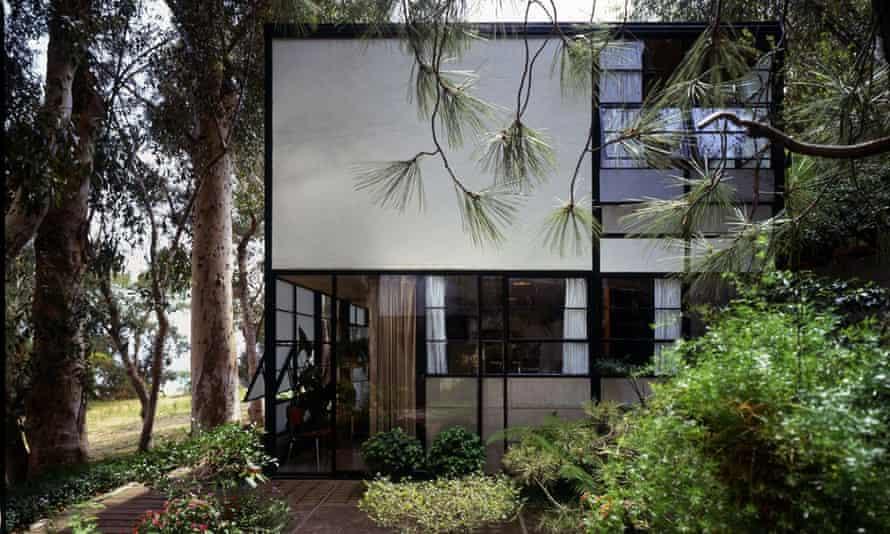 Eames House courtyard.