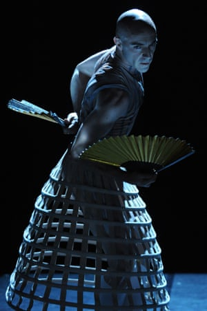 Russell Maliphant in Eonnagata at Sadler's Wells in 2009.