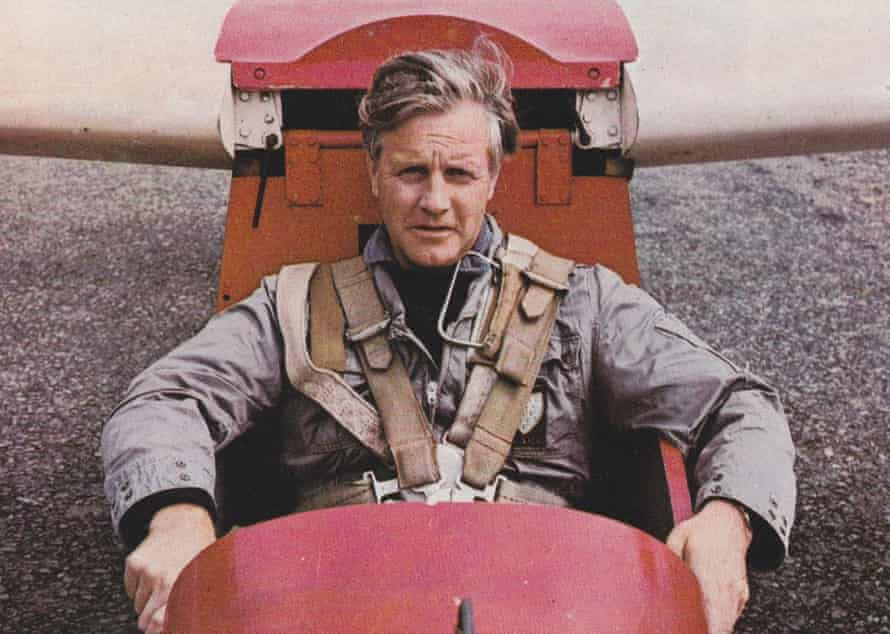 Peter Lanyon in his glider in 1964.