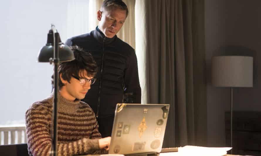 Ben Whishaw and Daniel Craig in Spectre