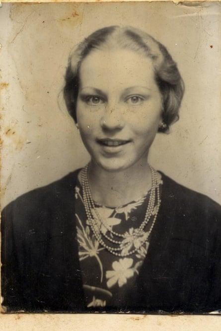 Marie Jalowicz Simon in 1944.