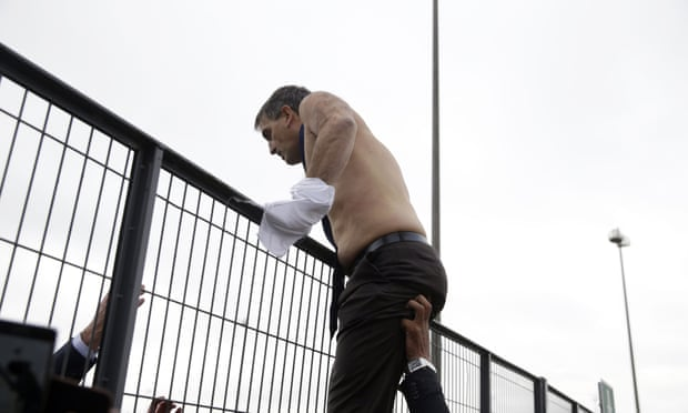 Air France workers rip shirts from executives after airline cuts 2,900 jobs | World news | The Guardian