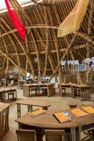Green school classroom furniture