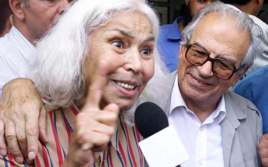 Nawal El Saadawi with Sherif Hatata, 2001