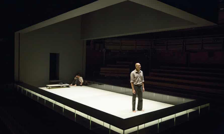 A View from the Bridge, Arthur Miller's dockside tragedy, starred Mark Strong.