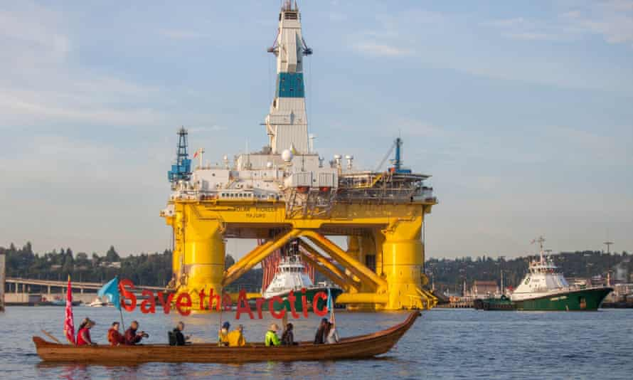 Protest at oil rig