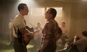 Tom Hiddleston as Hank Williams and Bradley Whitford as Fred Rose in I Saw the Light.