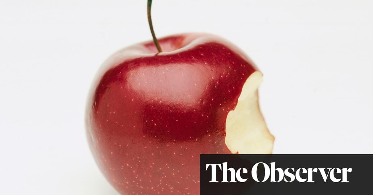 Cyanide in fruit seeds: how dangerous is an apple