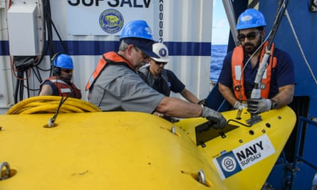 Search crew members with a submersible used to find the wreck of the Faro.