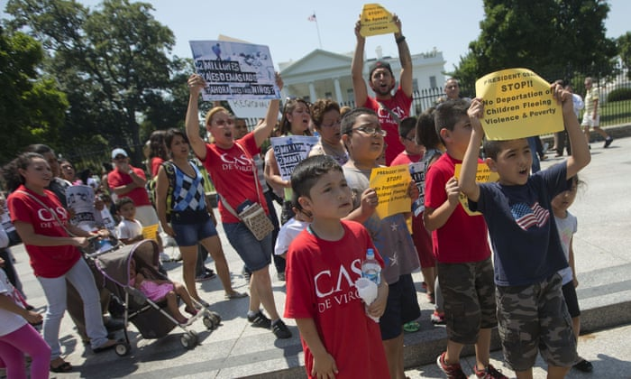 Demonstrators outside the White House in 2014 calling for an end to the deportation of undocumented children.