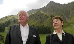 Helmut Schmidt with is wife, Loki, on holiday in 2003 in Switzerland.