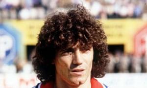 England football captain Kevin Keegan sporting permed hair, circa 1979.