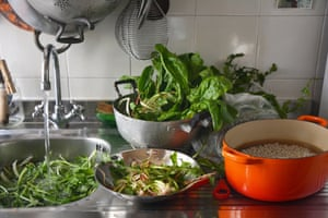 Rachel Roddy's Roman beans and wilted greens recipe| Kitchen