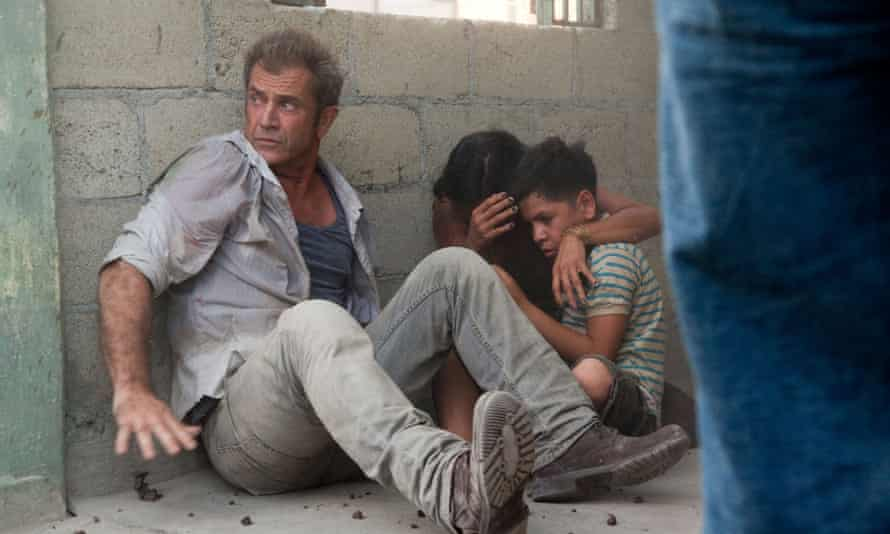 Mel Gibson, Kevin Hernandez and Dolores Heredia in How I Spent My Summer Vacation