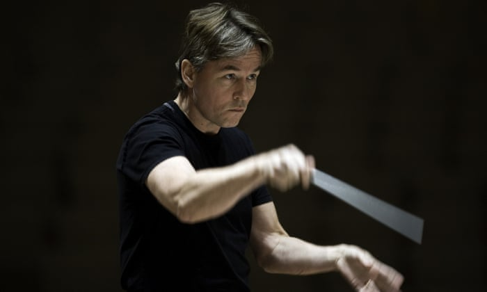 Interview with :   Esa-Pekka Salonen, conductor and composer on lighting, left arms, Berg and Björk