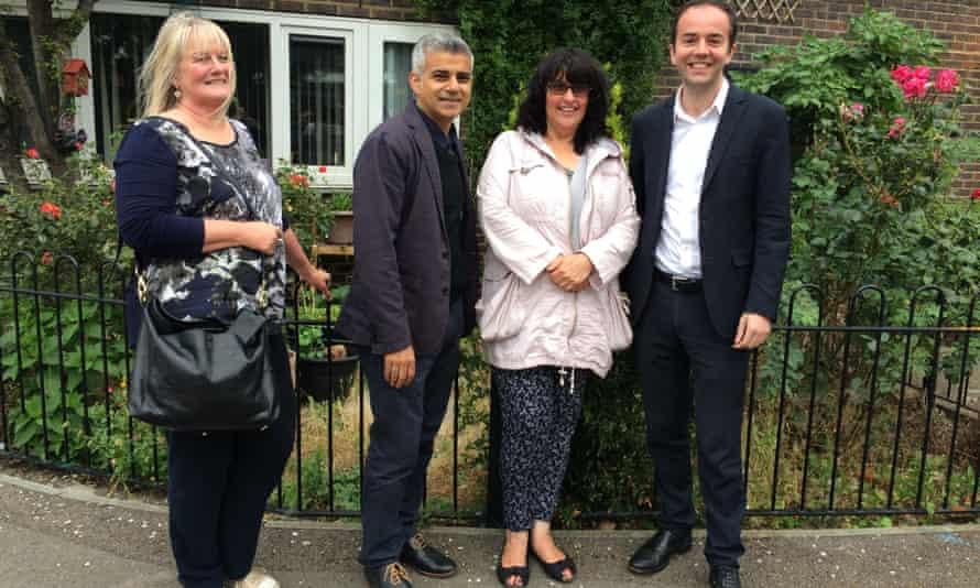 Sadiq Khan meets fellow Londoners in Islington.