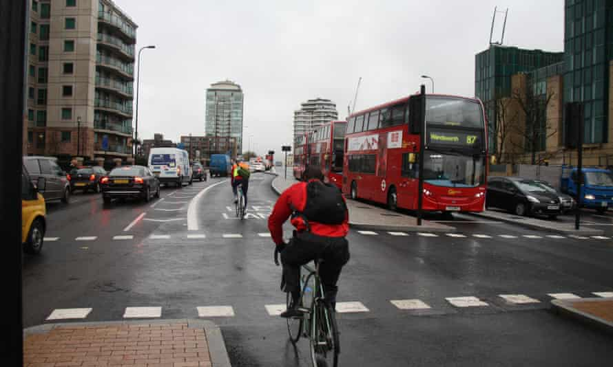 London cyclist on Vauxhall Bridge