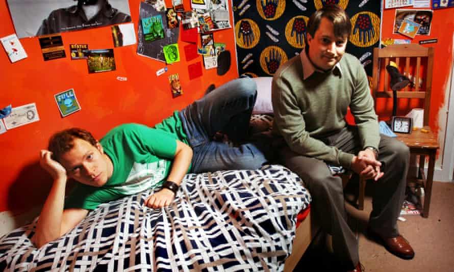 Bedroom antics: Robert Webb and David Mitchell.