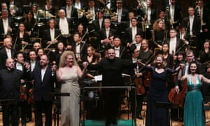 Jaap van Zweden (centre) soloists and the Hong Kong Philharmonic