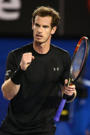 Andy Murray celebrates a point.