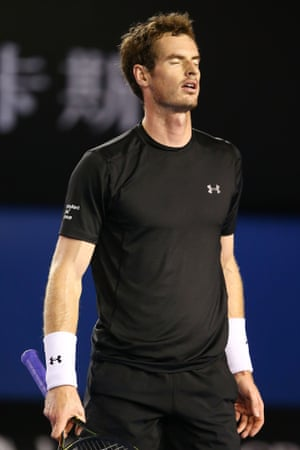 Andy Murray reacts to a point.