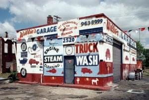 Willie's Garage, 2520 Michigan Ave., Detroit, 1991.