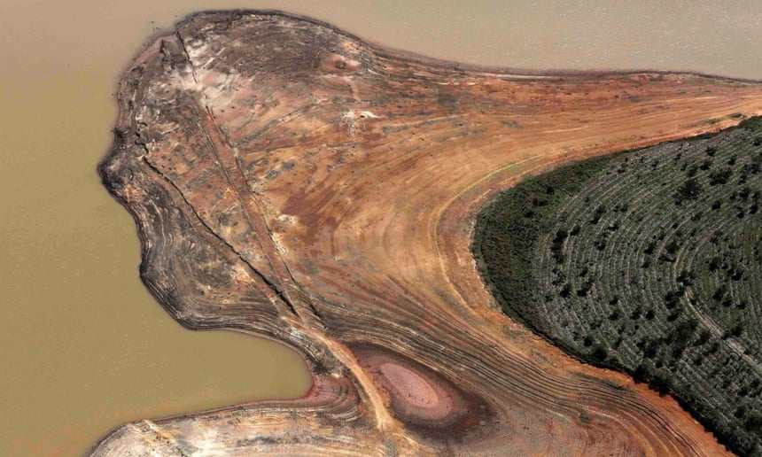 An aerial view of the Atibainha dam, part of the Cantareira reservoir, during a drought in Nazare Paulista, Sao Paulo state in this November 18, 2014.