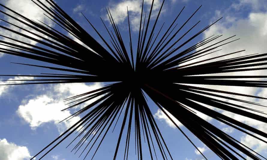 """B of the Bang"" sculpture by Thomas Heatherwick"