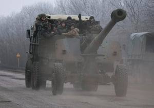 Heavy weapons on the move: Ukrainian armed forces shift positions near Artemivsk ahead of the agreed ceasefire.