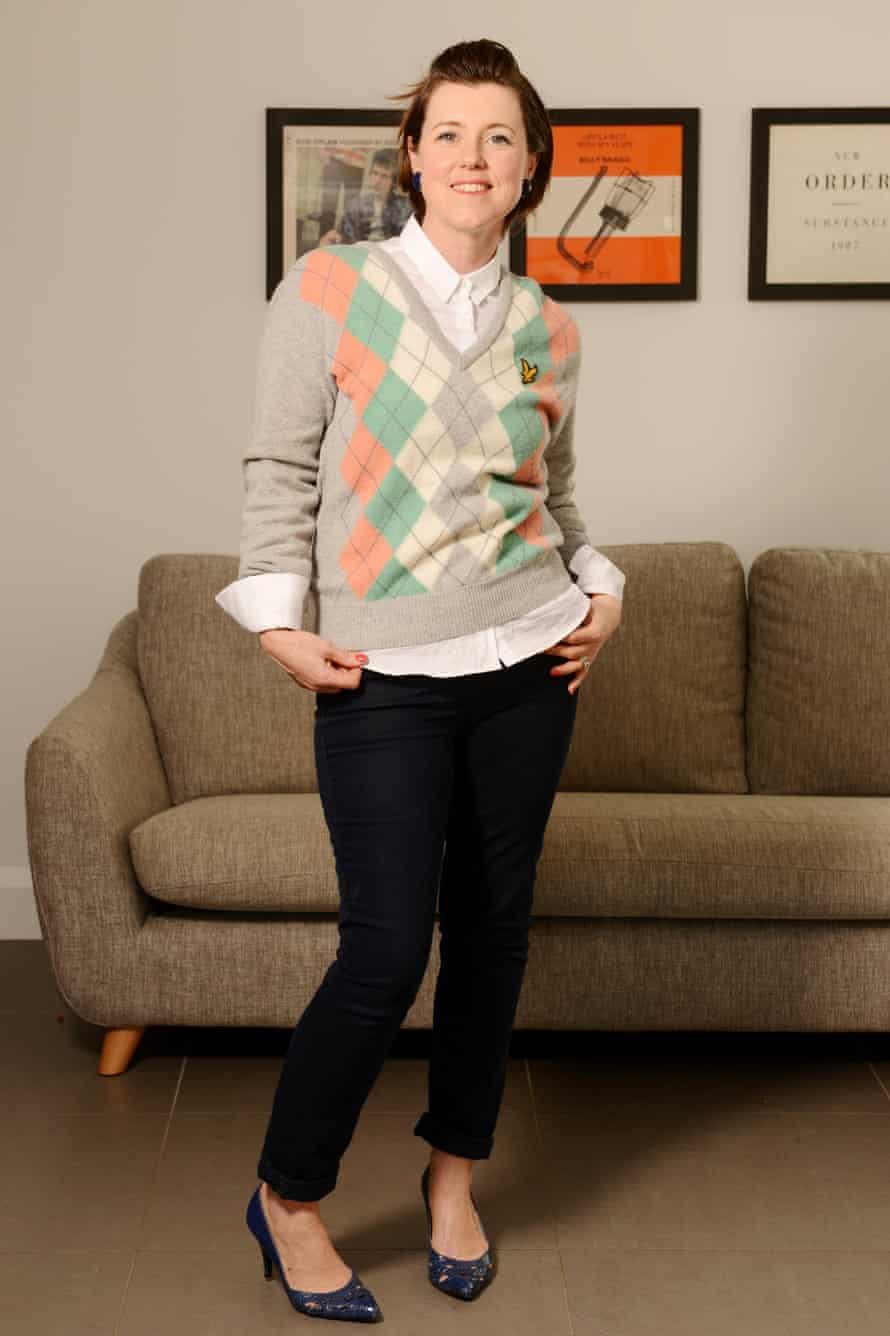Caroline Jones outfit 5