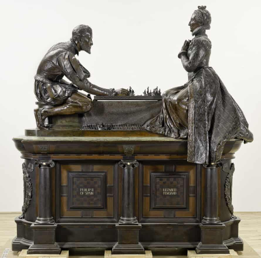 Phillip II of Spain and Elizabeth I playing chess with their fleets.