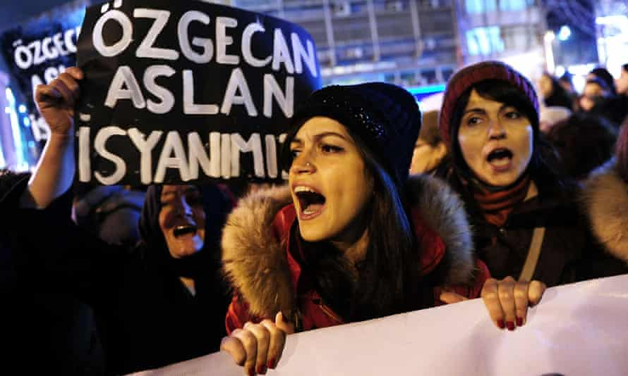 A woman shouts slogans during a demostration in Istanbul against the murder of Özgecan Aslan.