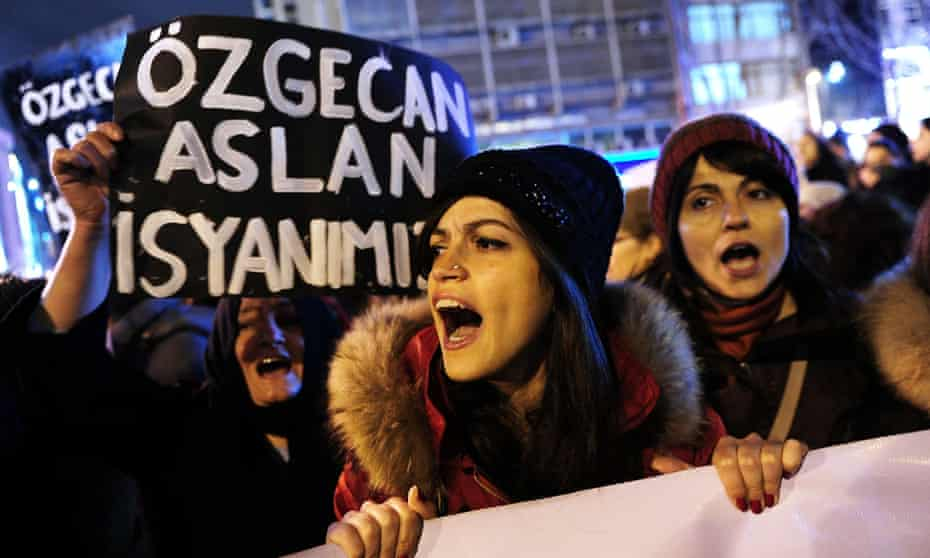 Istanbul protest against murder of Ozgecan Aslan