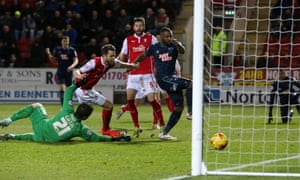 Darren Bent, right, continues his fine scoring streak to earn Derby a point from a thrilling Championship match against at New York Stadium. Photograph: Lee Smith/Action Images
