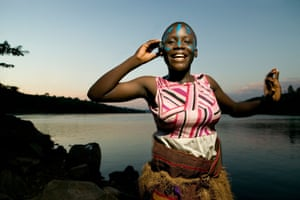 Traditional Ugandan dancers at the starting point of the river Nile
