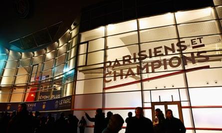 Fans await the Paris Saint-Germain vs Chelsea match