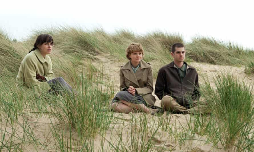 Keira Knightley, Carey Mulligan and Andrew Garfield in Never Let Me Go (2010).