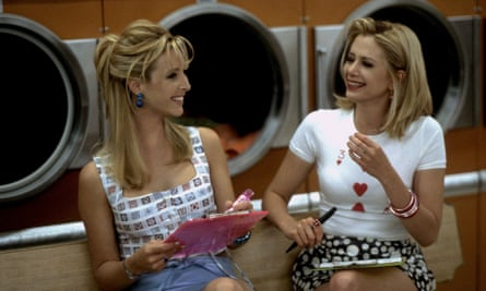 Kudrow with Mira Sorvino in Romy and Michele's High School Reunion(1997).