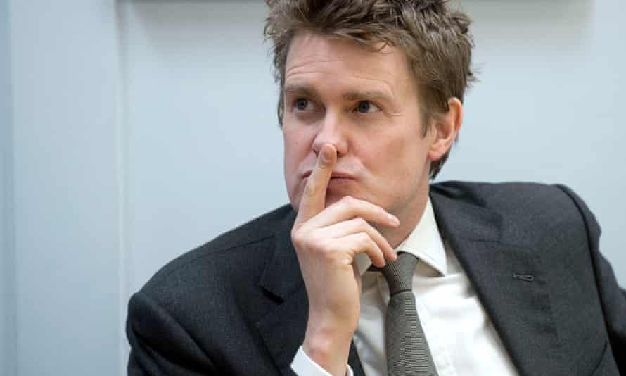 Tristram Hunt is to unveil Labour proposals to improve training and recruitment for headteachers.