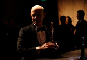JK Simmons takes his best supporting actor Oscar for Whiplash back after having his name engraved upon it at the Governor's Ball