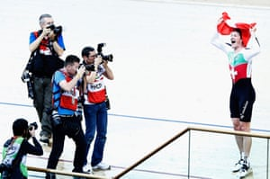 Stefan Kueng of Switzerland celebrates winning the gold medal in the men's individual pursuit final.