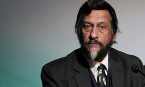 Indian Nobel laureate and Director-General of the Energy and Resources Institute (TERI), Dr Rajendra K Pachauri attends the 'National Conference on Green Design: Buildings & Habitats' in New Delhi, India, 7 January 2011. The conference is focused on the development of the green building industry.