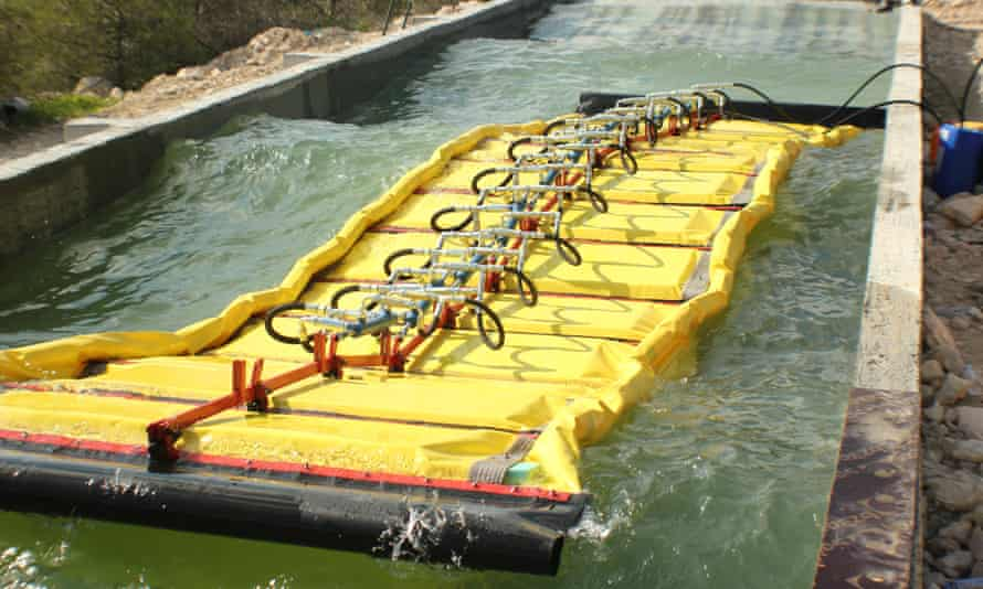 The WaveLine Magnet converts waves to electricity.