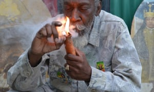 Jamaican lawmakers have passed a law making marijuana in small quantities a petty offence rather than a crime.