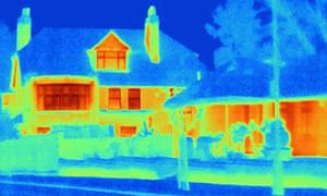 D4M0DW Thermal image of houses on city streetT